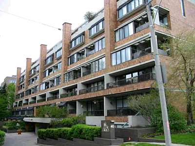 40 oaklands condos for sale