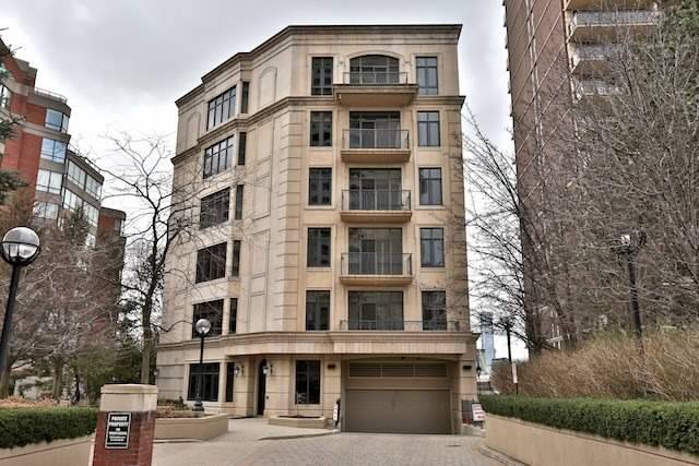 9 jackes ave condos for sale