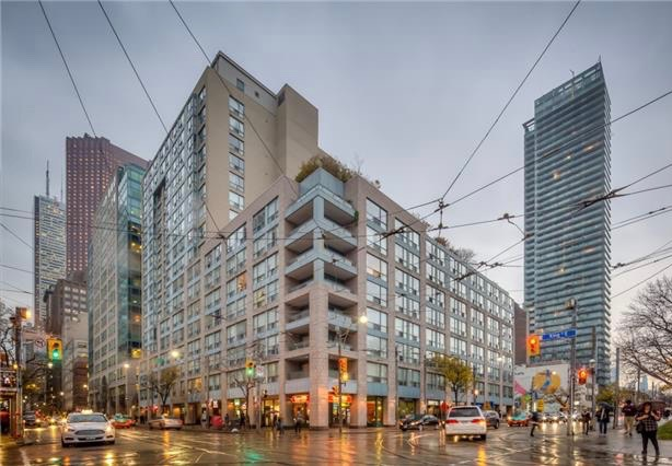 92 king st e condos for sale